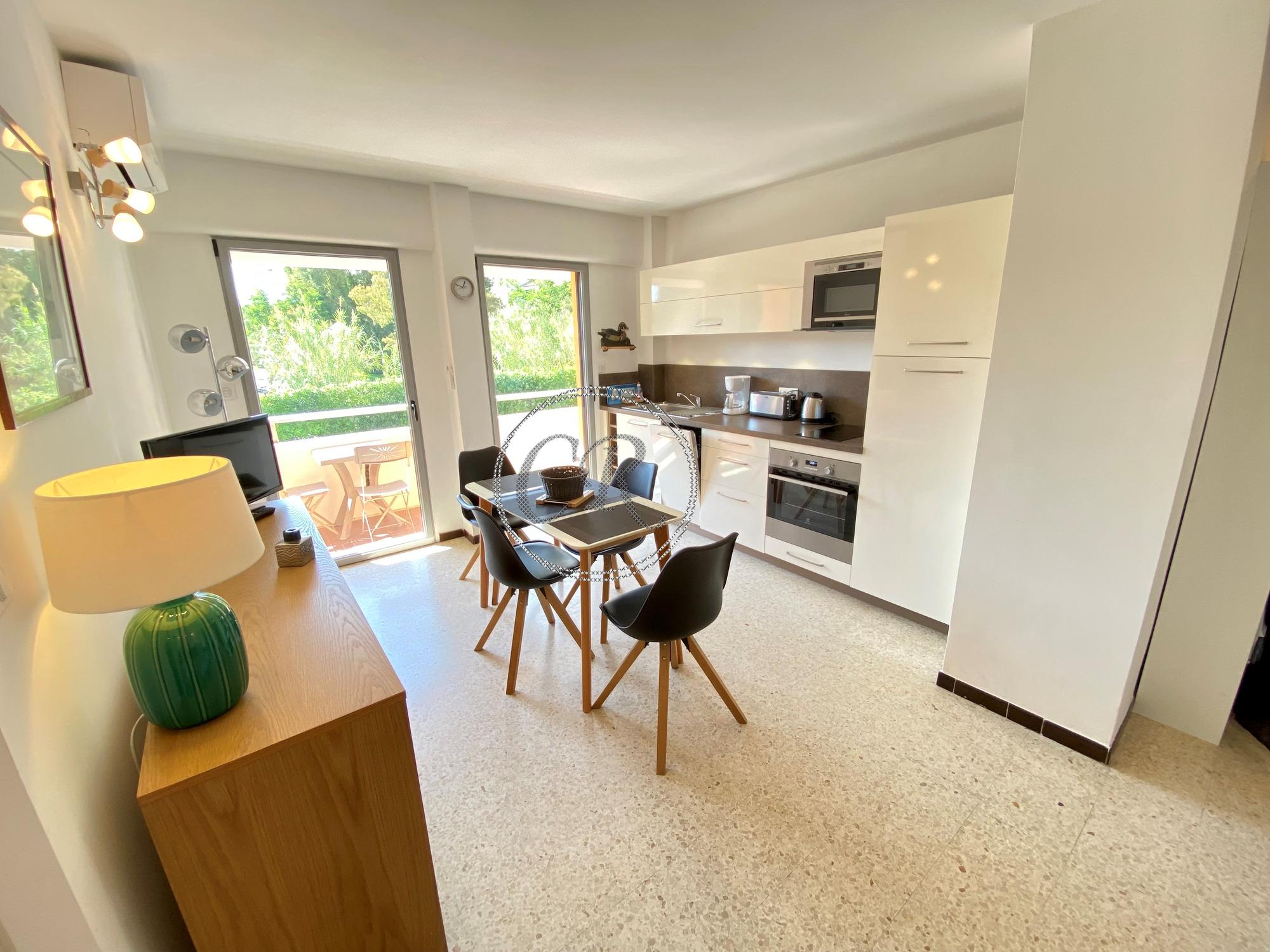 T2 apartment - 200 m from the Lavandou beach