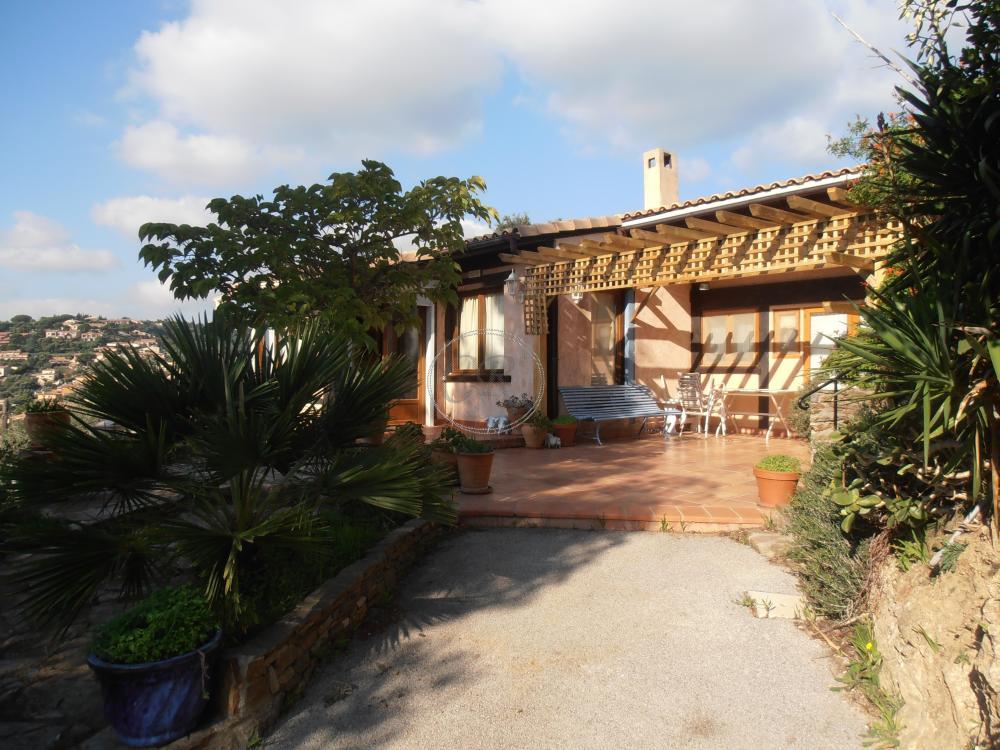 Belle villa de charme dans Domaine avec piscine