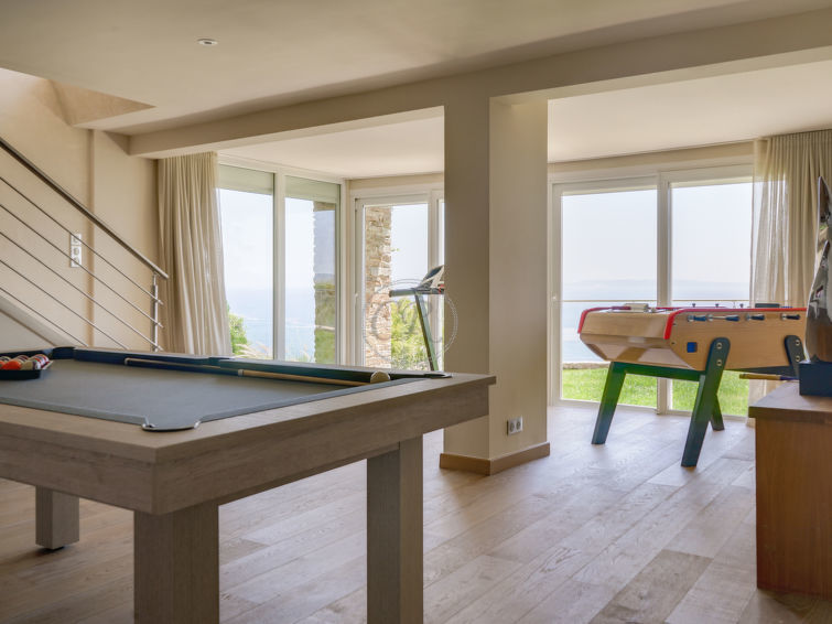 Panoramic sea view villa with swimming pool and jacuzzi