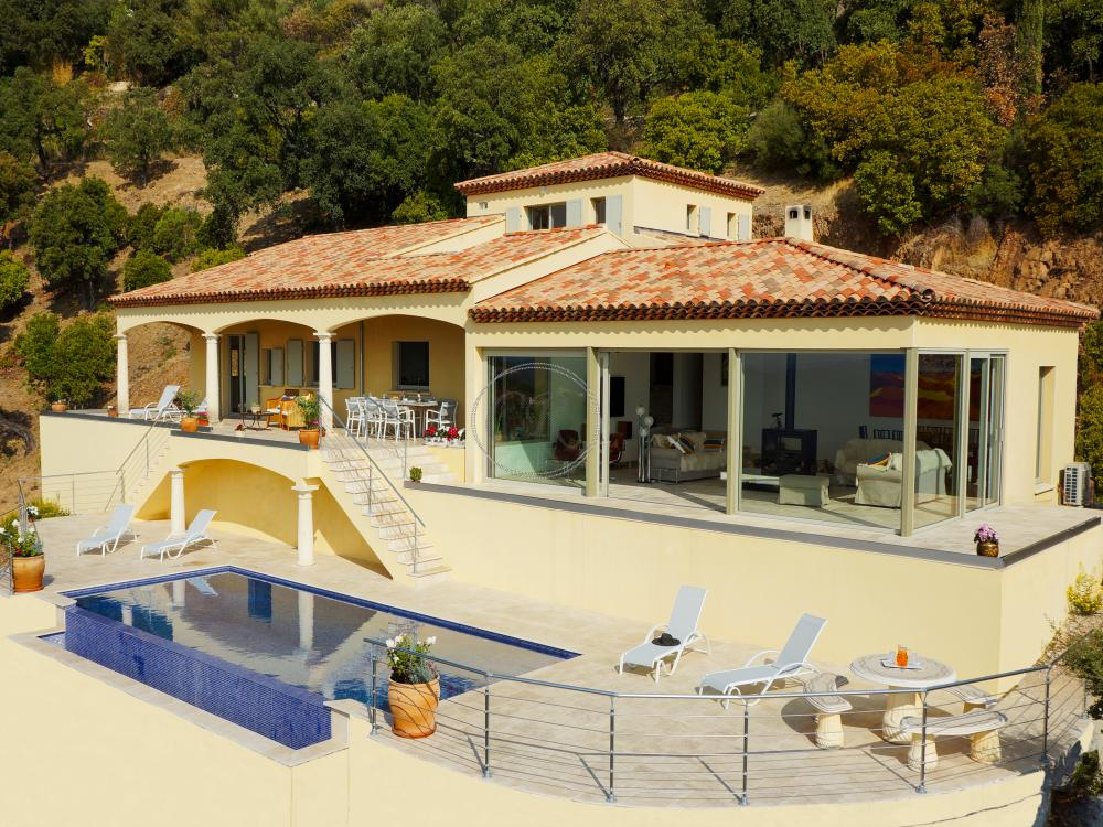 Superb Villa in Val Cros with swimming pool and sea view
