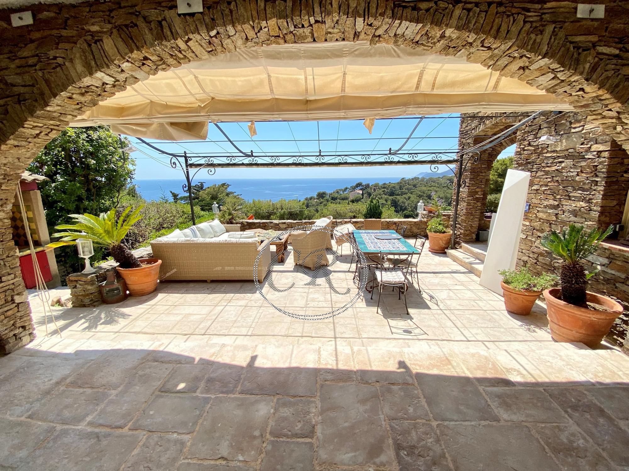 For sale Villa Carqueiranne