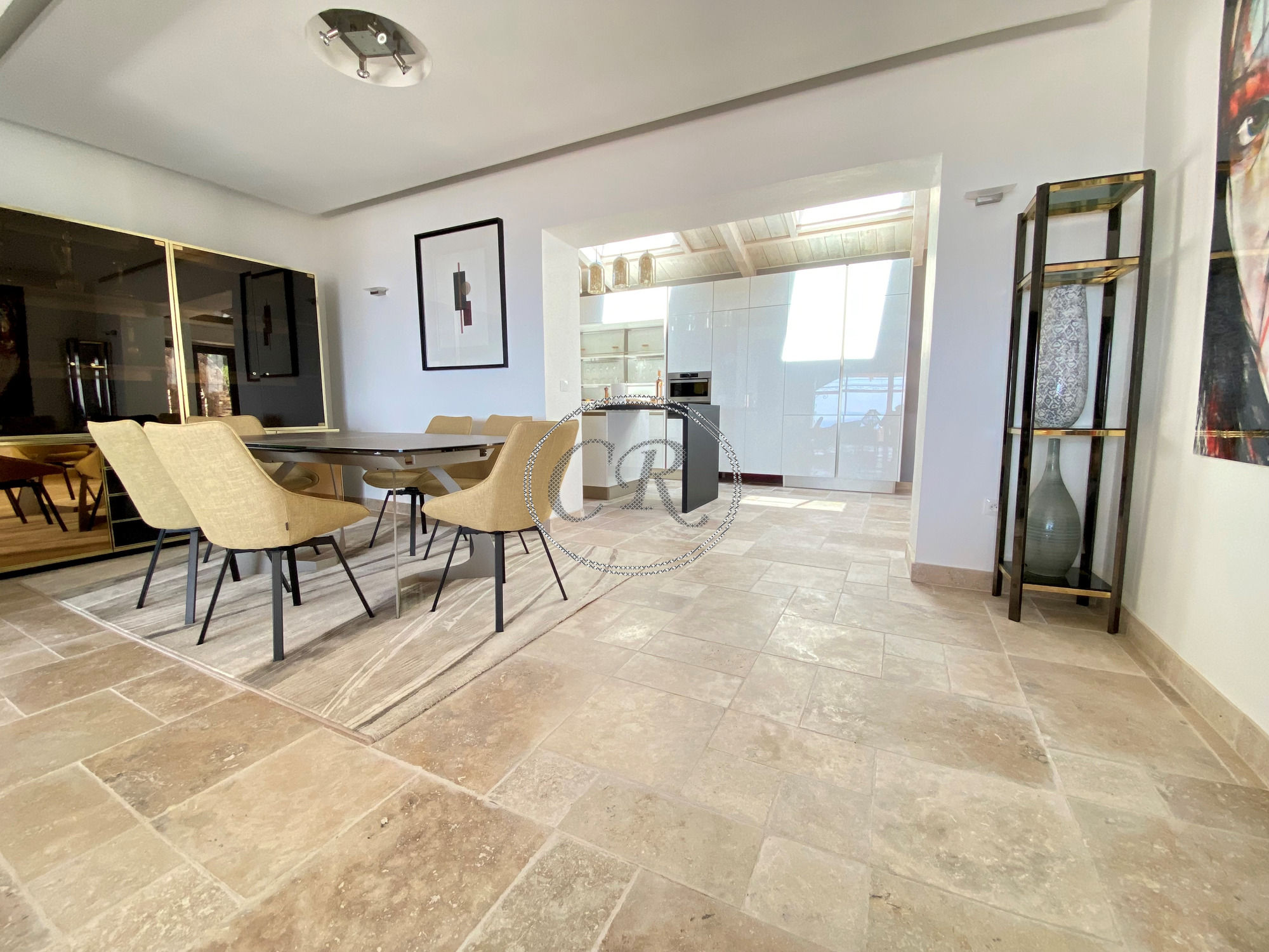 Beautiful villa with pool and sea view